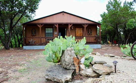 Anderson creek cabins updated 2018 hotel reviews price for Cabins near glen rose tx
