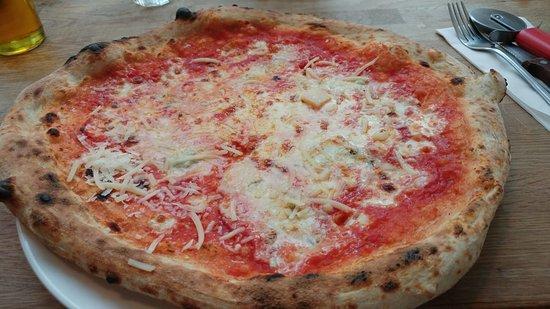 Bournemouth Pizza Co: Quattro Formaggio