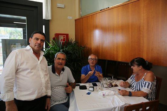 Monserrat, Espanha: ACOMPAÑADOS POR DIEGO