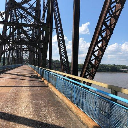 2018年 Chain of Rocks Bridgeへ...