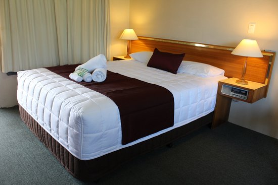 Tabourie Lake Motor Inn Resort