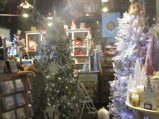 cracker barrel country store september 5 christmas trees - Cracker Barrel Store Christmas Decorations