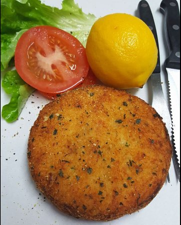 ‪‪Waitarere‬, نيوزيلندا: Large Homemade Fishcake‬