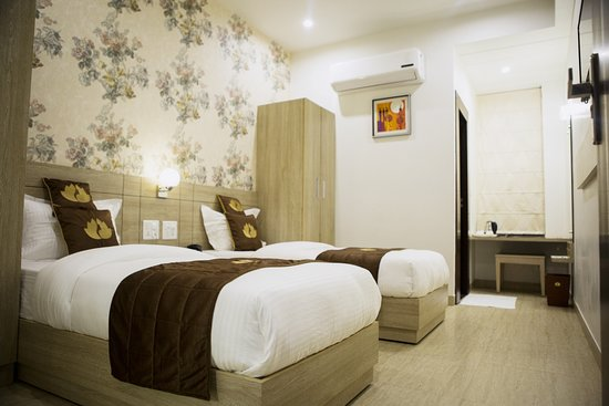 Tapukara, อินเดีย: Hotel D Blossom Superior Room Twin Bed
