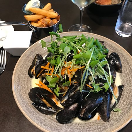 Boerkop, Dinamarca: Breakfast and restaurang plus bar