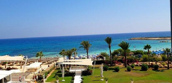 Asterias Beach Hotel: 20180905_141208_large.jpg