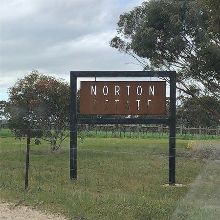 ‪Norton Estate Wines‬