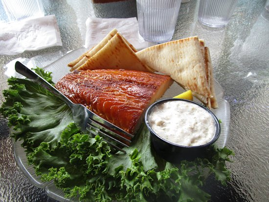 Fred & Fuzzy's Waterfront Bar and Restaurant: Smoked Fish Plate - appetizer but easily can be a main entree!