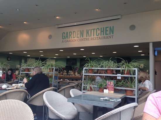 Garden Centre: Wyevale Garden Centre Coffee Shop, London