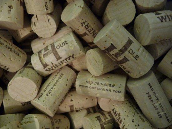 Idle Hour Tasting Room: Corks