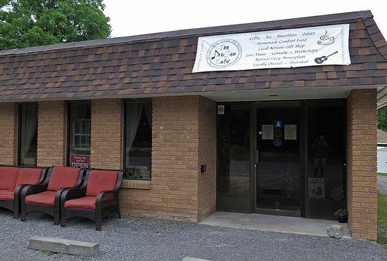 Frankford, Kanada: Artizen café