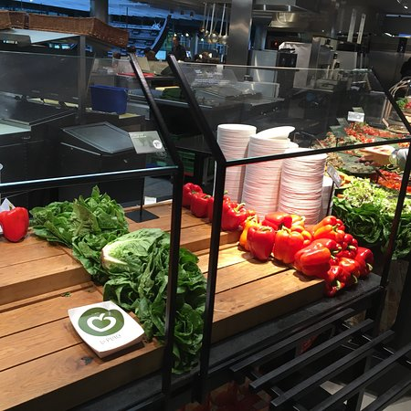 La Placeta Restaurante: En hurtig og sundere løsning i lufthavnen, konceptet er fint. Tá selv fra start til slut. Dog li