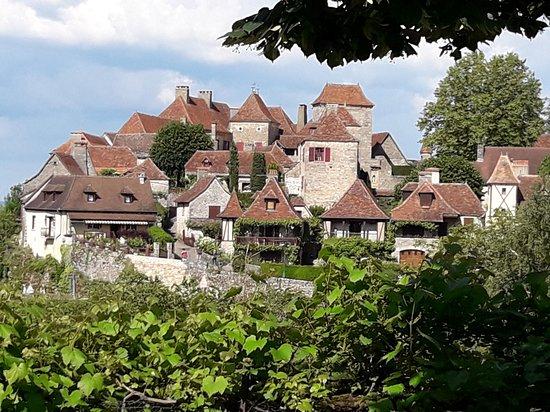 Loubressac, França: View of town