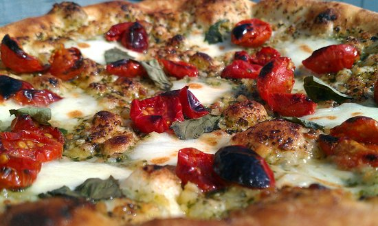 Rothesay, Canadá: Cherry Pom Pesto - pesto sauce with semi-dried cherry tomatoes, fresh mozzarella, basil and pepp