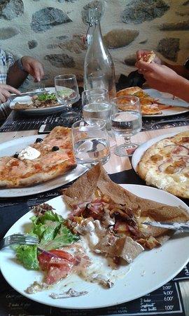 Pizz' Argentat: Notre commande de pizzas et galettes.