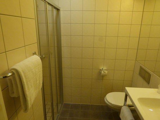Gardermoen Airport Hotel: Ванная комната