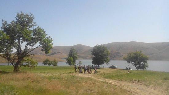 Hamadan, Irã: a Sample tour of cycling in Ekbatan dam