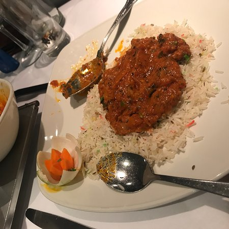 Hussain's Indian Cuisine: photo1.jpg