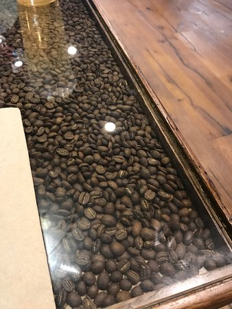 Fabulous Tables Have Coffee Beans In Them Great Look Picture Of Inzonedesignstudio Interior Chair Design Inzonedesignstudiocom