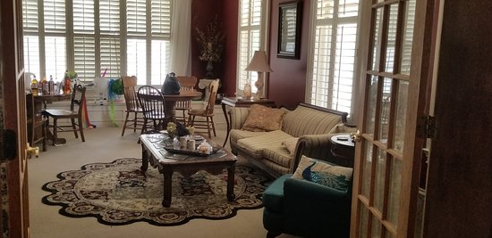 Jeffersonville, IN: View of the parlor