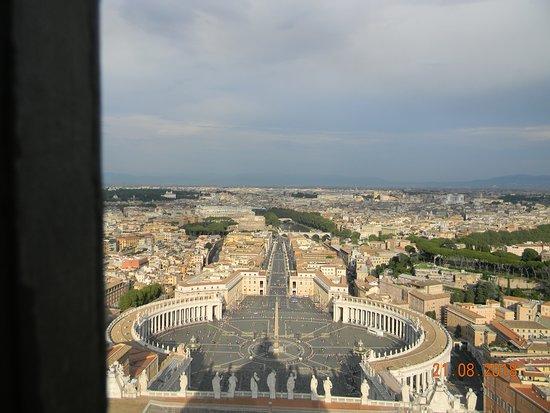 Villa Imperiale di Nerone: Ватикан, вид на Рим с купола собора святого Петра