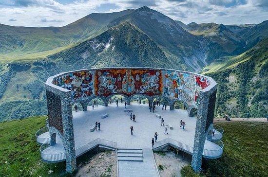 Tour a Kazbegi Full Day...