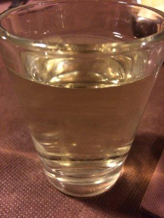 Osteria Barcarol: Vinello bianco della casa