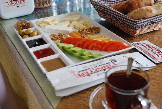 Seydisehir, Turkiet: tek kişilik köy kahvaltısı