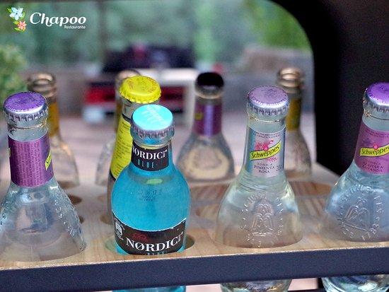 Carrito de bebidas Schweppes. Servicio de gin tonic