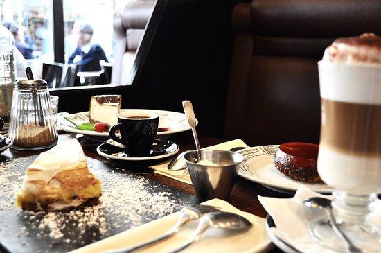 Tea time au Nemrod.