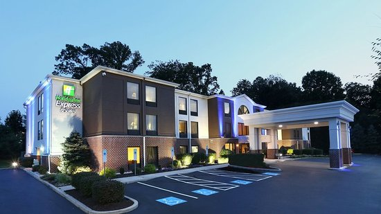 Holiday Inn Express Hotel & Suites West Chester: Exterior