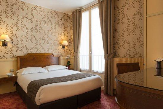 Hotel du Theatre by Patrick Hayat: Guest room