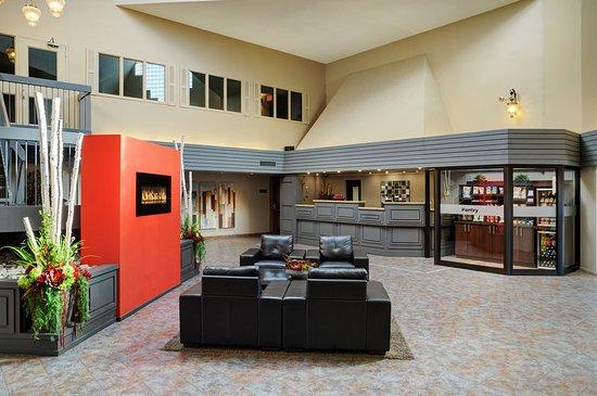 Travelway Inn Sudbury: Lobby