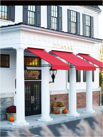Southport, CT: Exterior