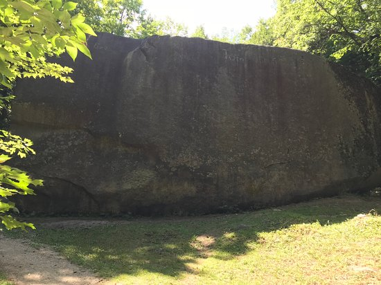 Madison Boulder: A closer view of it.