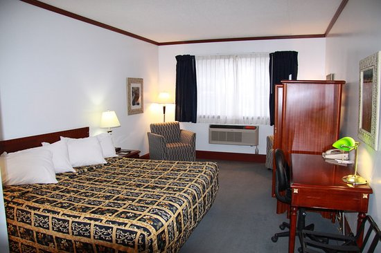 Causeway Bay Hotel Sparwood: Guest room