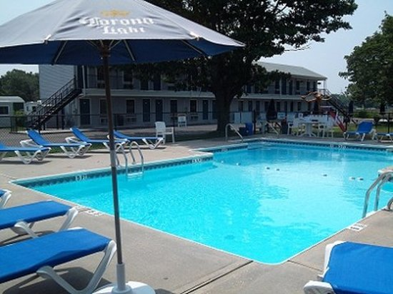 East Marion, NY: Pool