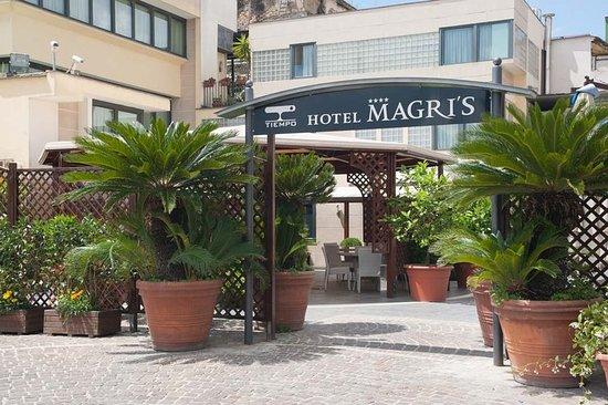 Hotel Magri's: Exterior