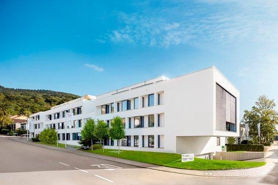 Dossenheim, Tyskland: Exterior
