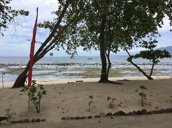 Pulisan, إندونيسيا: Strand bei Ebbe