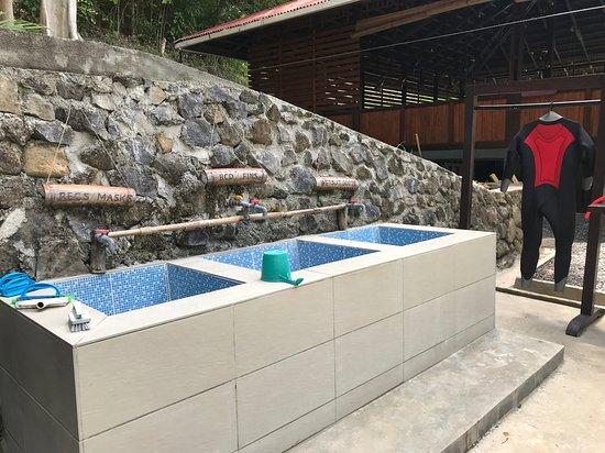 Pulisan, إندونيسيا: Divecenter