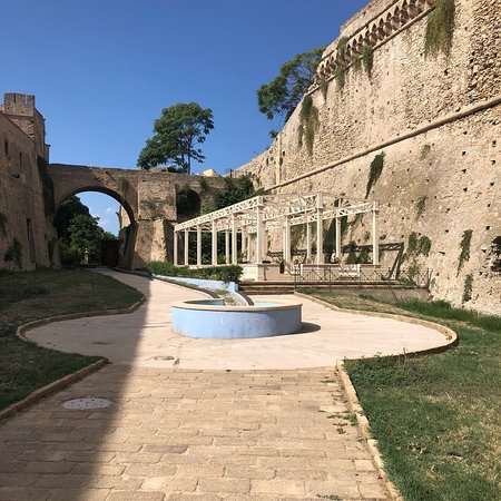 Castello di Carlo V : photo6.jpg