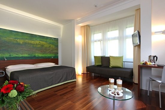 Hotel Waldstatterhof: Guest room
