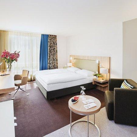 Regensdorf, Switzerland: Guest room