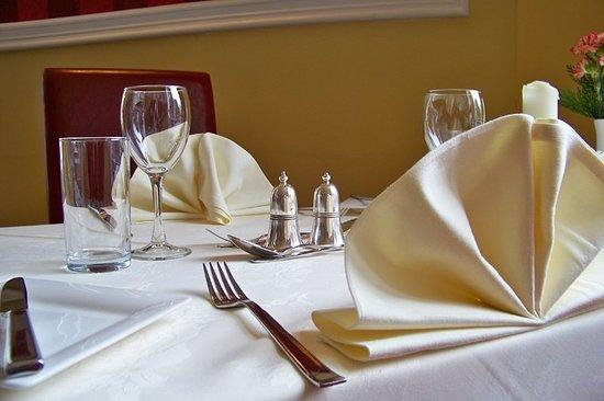 Pine Trees Hotel: Restaurant