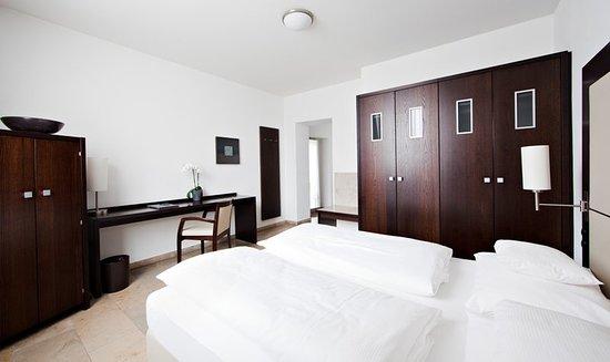 burns art hotel d sseldorf tyskland omd men och prisj mf relse tripadvisor. Black Bedroom Furniture Sets. Home Design Ideas