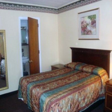 New Berlinville, PA: Guest room