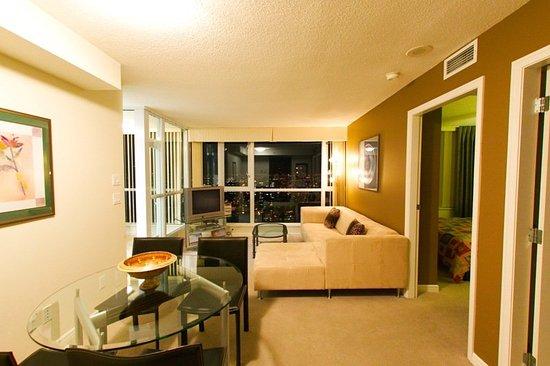 Carmana Plaza : Suite