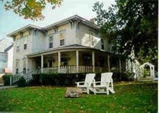 Inn at Grey Gables: Exterior