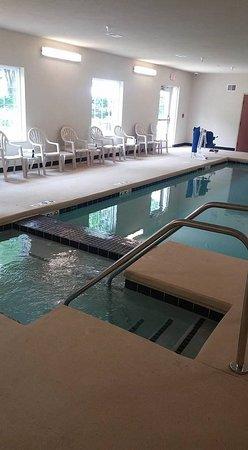 Harborcreek, PA: Pool